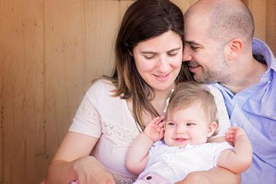 Newborn, Baby, Family portraits by award winning family photographer Pamira Bezmen. www.pamirabezmenphotography.com
