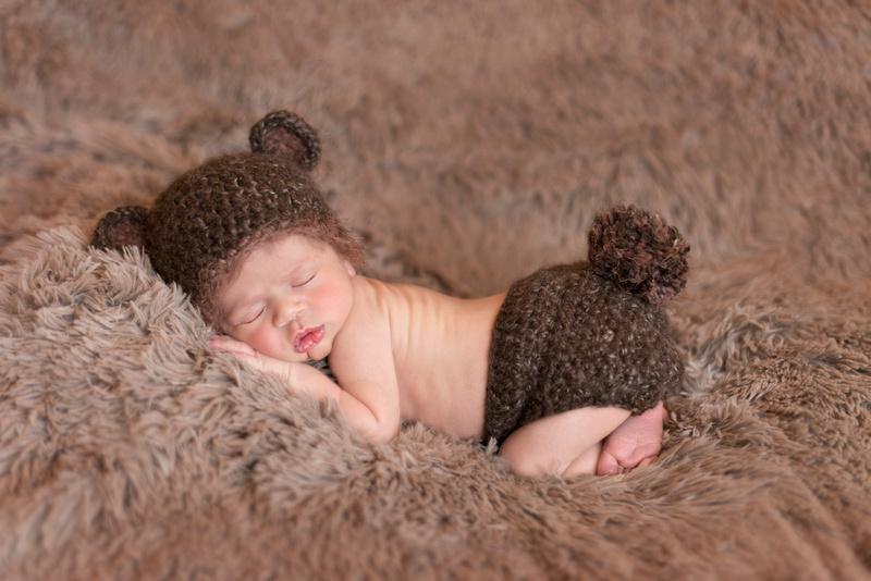 Gabriel's Newborn Angel Sneak Peek | NJ Newborn Photographer Pamira Bezmen Photography. Award winning family portraiture. www.pamirabezmenphotography.com