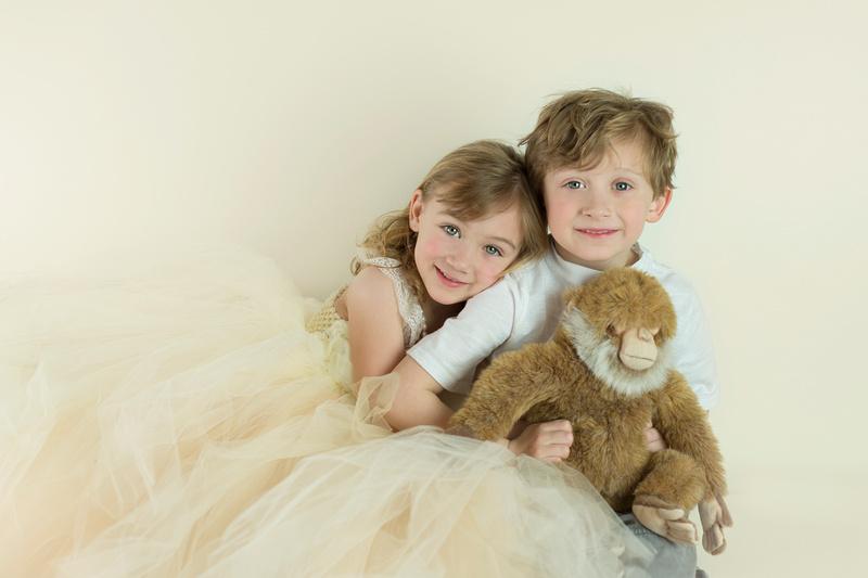 award-winning family photographer, New Jersey, Pamira Bezmen Photography, sibling portraits, family portraits, www.pamirabezmenphotography.com