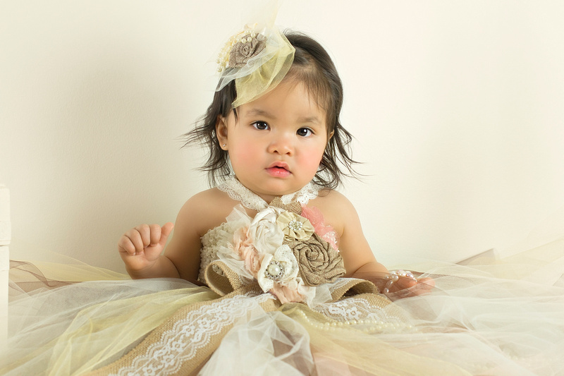 Professional Baby Portraits by award-winning family photographer Pamira Bezmen. www.pamirabezmenphotography.com