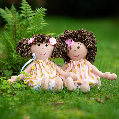 Dolls Group, Olivia and Lillian, outdoor, DSC2519, square