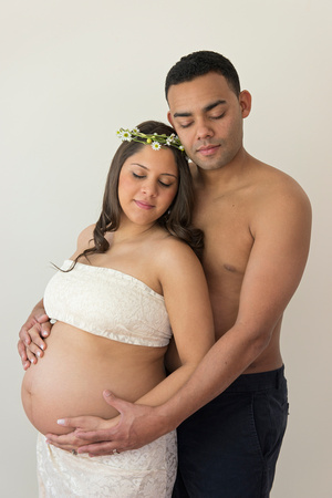 Pamira Bezmen Photography. Award winning maternity portraiture in New Jersey and Istanbul. www.pamirabezmenphotography.com