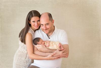 Newborn studio images by award winning family photographer Pamira Bezmen. www.pamirabezmenphotography.com