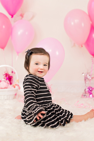 1st birthday professional photos by award winning New Jersey family photographer Pamira Bezmen Photography.  www.pamirabezmenphotography.com