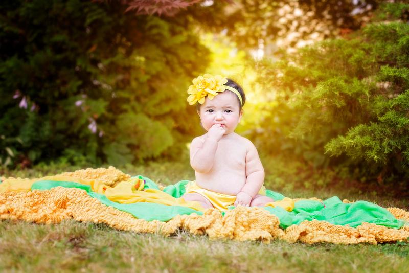 2nd birthday photos, baby birthday portraits, professional birthday photos, award winning New Jersey family photographer, Pamira Bezmen Photography, www.pamirabezmenphotography.com